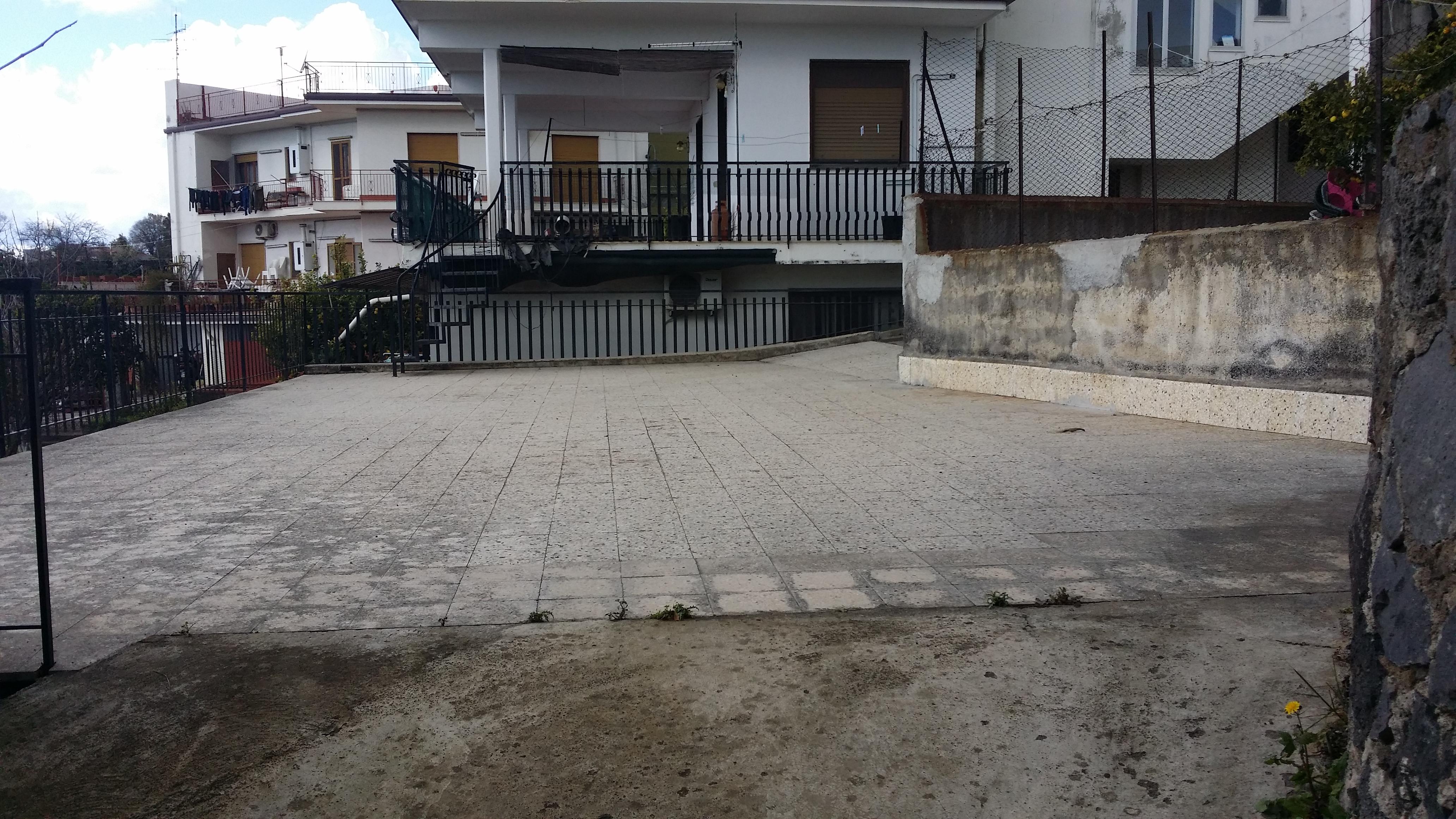 5 vani con garage e terrazzo con vista unica