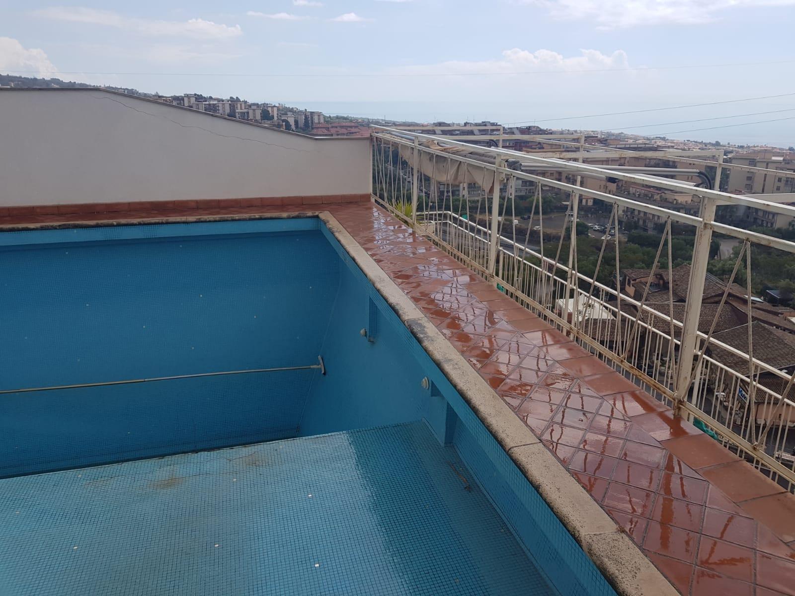 Esclusivo attico Super Panoramico con piscina