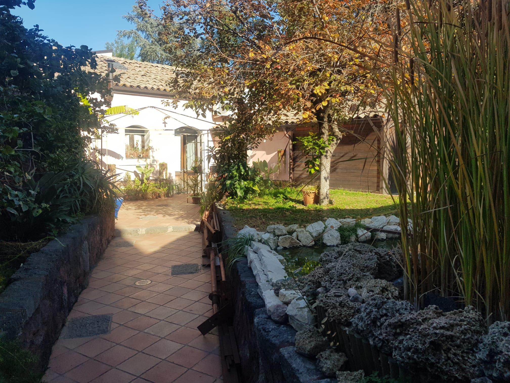 Indipendente 66 mq con giardino e terrazzo a livello Gravina di CT